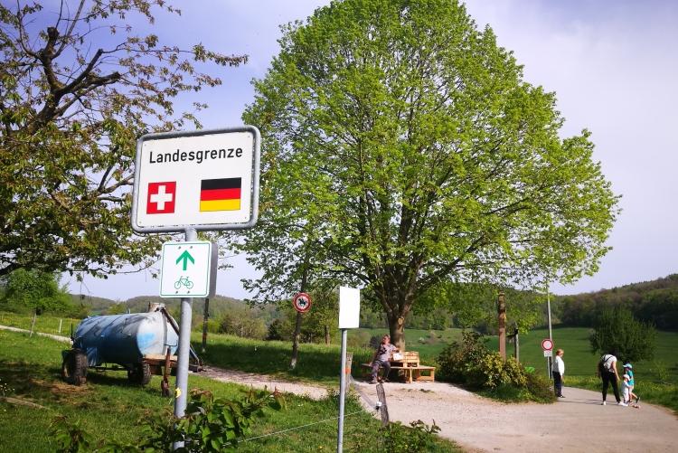 Achtung Landesgrenze: Man glaubt es kaum!